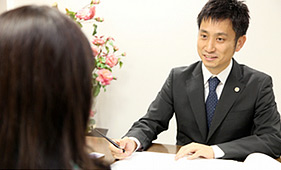 弁護士岡野武志